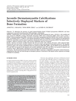 Juvenile dermatomyositis calcifications selectively displayed markers of bone formation.